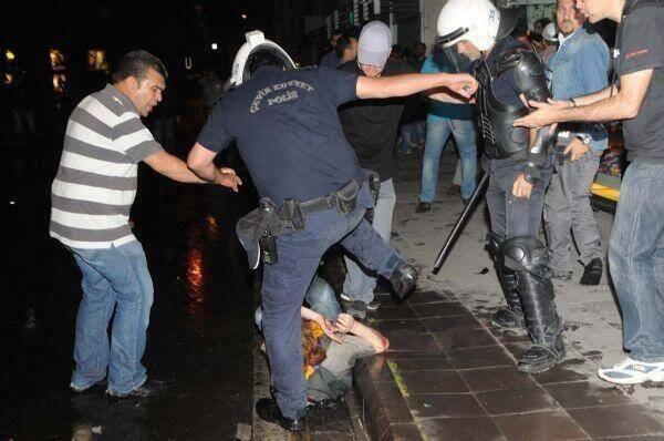 Κι οι Τούρκοι μπάτσοι έχουν μάνες