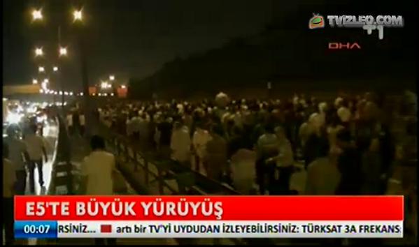 Des milliers en route à Taksim