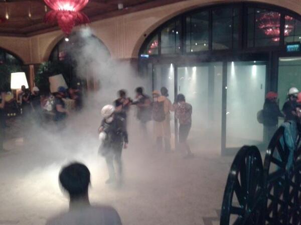 H επίθεση με χημικά στο ξενοδοχείο Divan