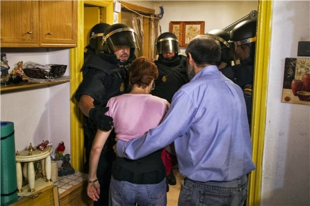 16275354_Spain_Financial_Crisis_Evictions_JPEG_06596_limghandler